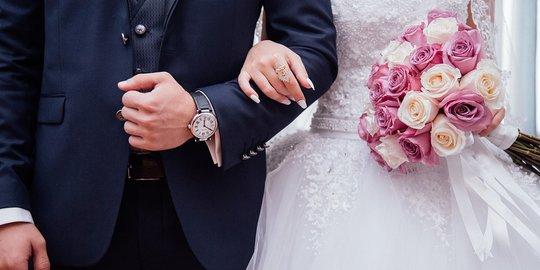 Madu Sebagai Tradisi Kado untuk Pernikahan Rusia